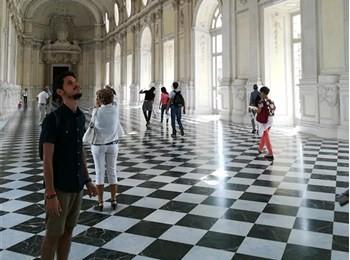 Emanuele Ivaldi jobber som firvillig ungdomsarbeider i Midtdalen